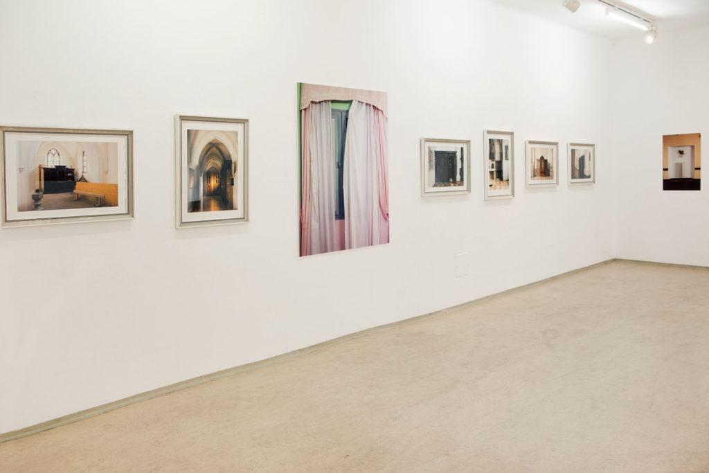 Ausstellungsansicht sub rosa in der Galerie Forum Wels Renate Billensteiner Foto 05