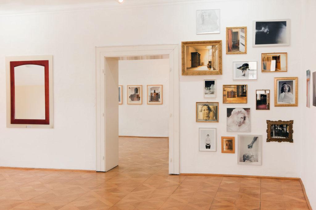 Ausstellungsansicht sub rosa Renate Billensteiner Foto 10