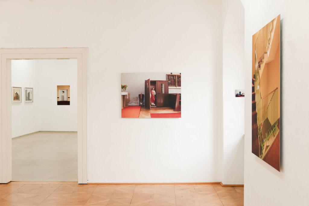 Ausstellungsansicht sub rosa in der Galerie Forum Wels Renate Billensteiner Foto 04