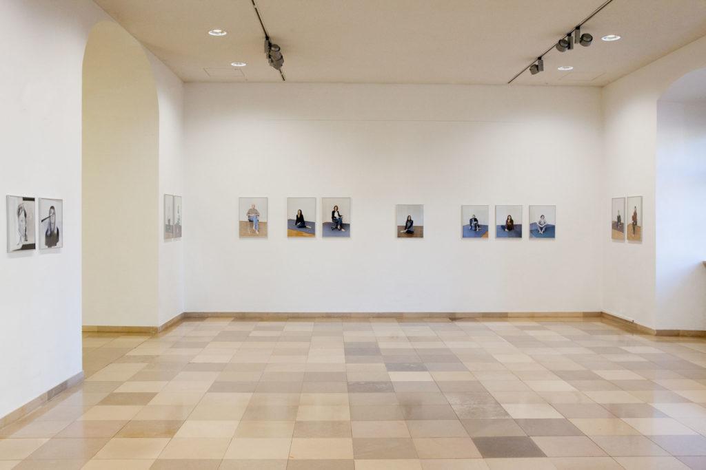 Ausstellungsansicht 50 Jahre fotografische Gesellschaft Landeskulturzentrum Ursulinenhof Renate Billensteiner