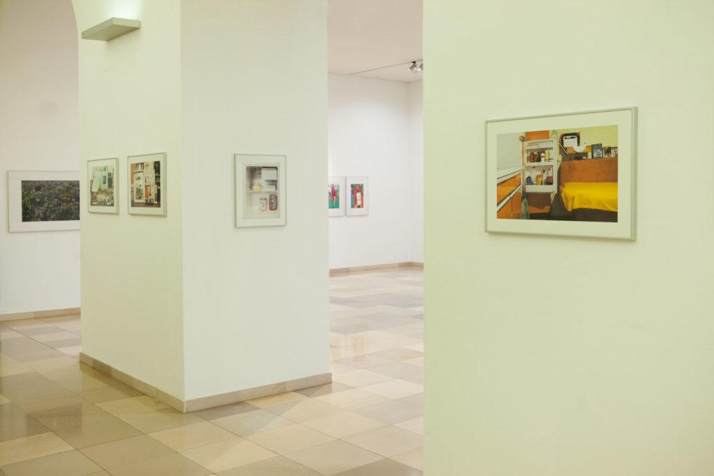 Ausstellungsansicht Ursulinenhof Serie fridge guide von Renate Billensteiner Bild 07