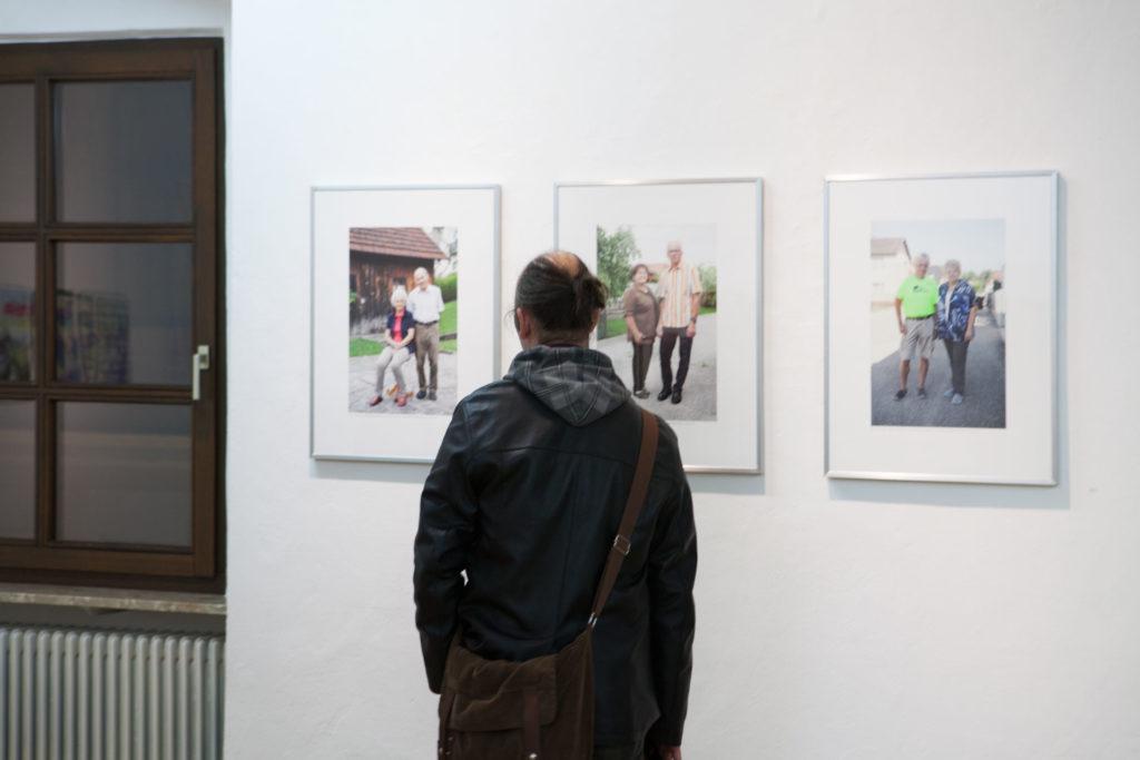 Ausstellungsansicht Galerie Forum Wels mein Bruckner Fotoarbeit von Renate Billensteiner