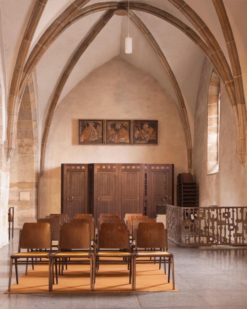 Serie sub rosa Beichtstuhl Enns Basilika Sankt Laurenz von Renate Billensteiner
