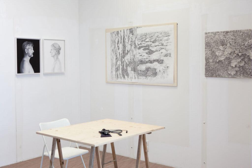 Rundgang Porträts mit Ausstellung Kollaterale Wels temporäres Atelier Renate Billensteiner und Gerhard Brandl 6