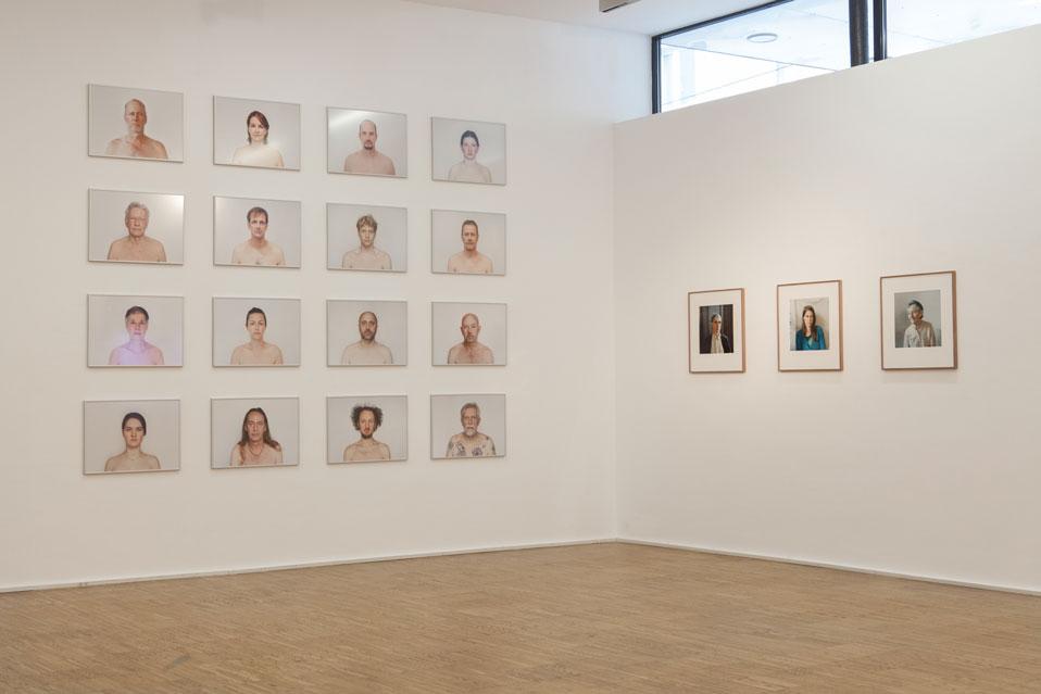 Ausstellungsansichten Portraet Künstlerinnenvereinigung Maerz 2021 Renate Billensteiner