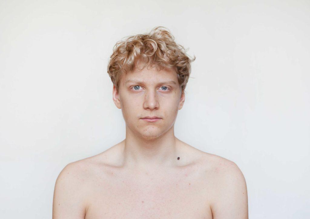 Ausstellung Jakob Serie FACE von ©Renate Billensteiner
